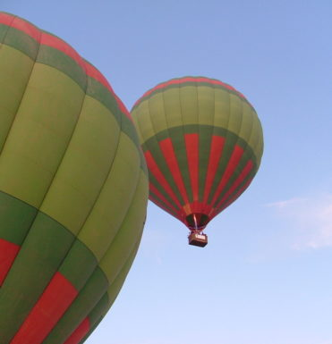 luchtballon-varen-over-winterberg